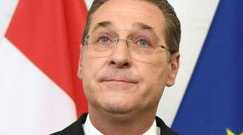 Geht nicht nach Brüssel:Der nach dem Skandal-Video zurückgetretene FPÖ-Chef und Vizekanzler Strache nimmt sein bei der Europawahl gewonnenes Mandat nicht an.