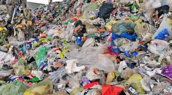 Vor einem halben Jahr trat ein Gesetz in Kraft, das die Kosten fürs Recycling von Verpackungsmüll fairer verteilen soll. Viele Unternehmen ziehen noch nicht richtig mit.