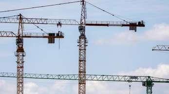 Wohnimmobilien verteuerten sich im ersten Quartal im Schnitt um 5 Prozent gemessen am Vorjahreszeitraum. Vor allem in den sieben größten Städten schossen die Preise laut der Angaben nach oben.