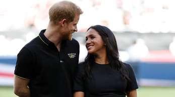 Prinz Harry und Herzogin Meghan werden im kleinen Kreis Söhnchen Archie taufen lassen.