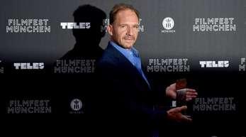 Ralph Fiennes ist in München mit dem CineMerit Award geehrt worden.