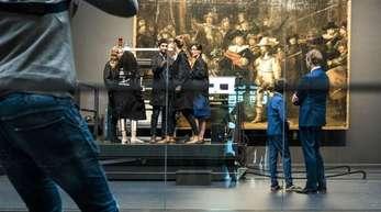 Hinter Glas:Rembrandts «Nachtwache».