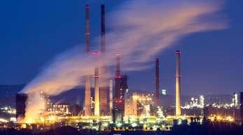 Thyssenkrupp will die Hüttengase aus der Stahlproduktion durch Umwandlung in Methanol und Ammoniak als Rohstoff für die chemische Industrie nutzbar machen.