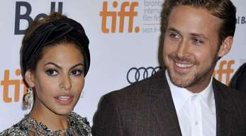 Eva Mendes und Ryan Gosling begrüßen ein neues Familien-Mitglied: Dobermann-Welpe Lucho.