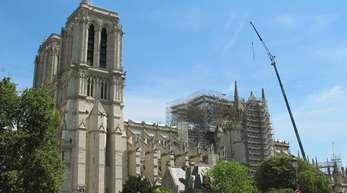 Die teilweise eingerüstete Kathedrale von Notre-Dame.
