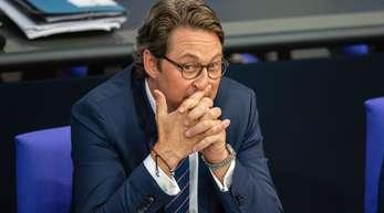 Bundesverkehrsminister Andreas Scheuer steht wegen der Maut-Verträge unter Druck.