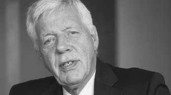 Der ehemalige Bundeswirtschaftsminister Werner Müller ist tot.