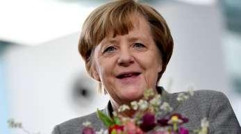 Angela Merkels Beliebtheitswerte sind weiter hoch - während ihre CDU in den Umfragen klar unter 30 Prozent dümpelt.
