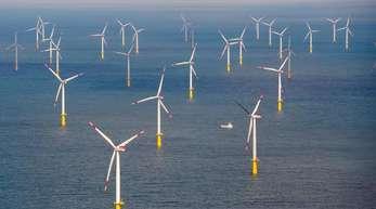Der Offshore-Windpark Butendiek, etwa 30 Kilometer vor der Insel Sylt in der Nordsee.