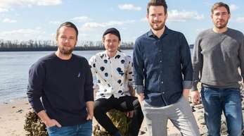 Die Band Revolverheld: Kristoffer Hünecke (l-r), Jakob Sinn, Johannes Strate und Niels Kristian Hansen.