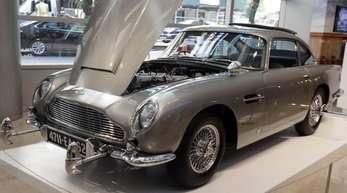 Der legendäre Aston Martin ist mit zahlreichen Extras ausgestattet.