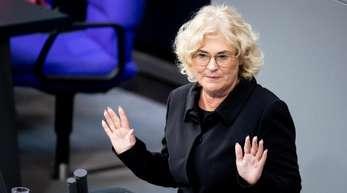 Bundesjustizministerin Christine Lambrecht. Die Bundesregierung will die Verbraucher rasch per Gesetz gegen Abzocke und Kostenfallen schützen.