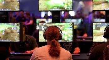 Die Gamescom brummt - und wächst. Unter dem Motto «Gemeinsam sind wir Games» rücken die Veranstalter in diesem Jahr einmal mehr die Community in den Mittelpunkt.