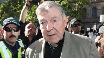 Kardinal George Pell auf dem Weg zum County Court: Der ehemalige Vertraute von Papst Franziskus war wegen sexuellen Missbrauchs von zwei Chorknaben zu sechs Jahren Haft verurteilt worden.