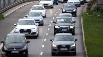 Deutsche Autofahrer sind immer häufiger mit Automatikgetriebe unterwegs.