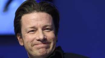 Ganz auf Fleisch verzichten? Das ist nichts für den britischen Fernehkoch Jamie Oliver.