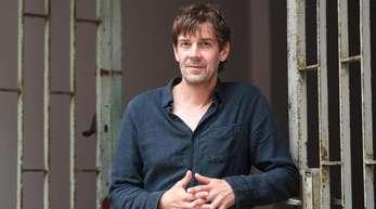 Der Musiker Niels Frevert kehrt mit einem starken neuen Album zurück in die Öffentlichkeit.