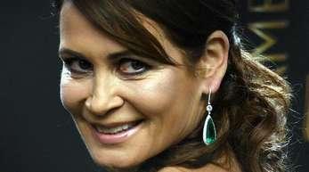 Anja Kling hält sich bei Horrorfilmen die Augen und Ohren zu.