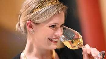 Die Deutsche Weinkönigin Carolin Klöckner 2018 in Karlsruhe.