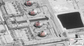 EinFoto der US-Regierung zeigt Schäden an der Raffinerie des saudischen Ölriesens Saudi Aramco.