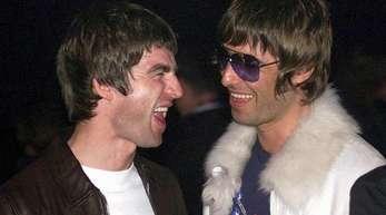 Ein Bild aus besseren Zeiten: Die Brüder Noel (l) und Liam Gallagher sind sich heute alles andere als nah.