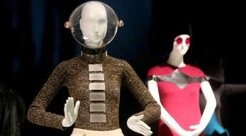 Im Kunstpalast werden mehr als 80 Kleidungssstücke und Accessoiress sowie Fotos und Filmmaterial gezeigt.