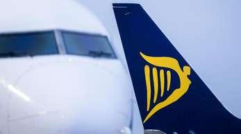 Möglicherweise bekomme Ryanair die ersten Max-Jets erst im März oder April. Die üblichen Anzahlungen an Boeing habe die Fluglinie bereits gestoppt und verhandele mit dem Hersteller über eine finanzielle Entschädigung.