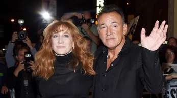 "Bruce Springsteen und seine Frau Patti Scialfa in New York nach der Premiere von ""Springsteen On Broadway""."