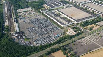 Der VW-Konzern startet in Salzgitter eine Pilotfertigung für eigene Batteriezellen. Außerdem wird dort ein Forschungszentrum eröffnet.