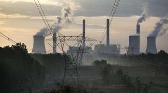 Das Kohlekraftwerk Scherer bei Juliette (USA). Die USA sind laut US-Umweltbehörde mit einem Ausstoß von rund 6,5 Milliarden Tonnen CO2 hinter China der zweitgrößte Verursacher von Treibhausgasen.