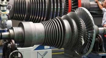 Turbinen-Wartung bei Siemens: Aus Sicht der Bundesbank-Experten wäre ein leichter Rückgang des BIP im Sommer «als Teil einer konjunkturellen Normalisierung zu sehen.