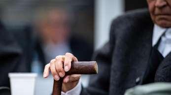 Ein ehemaliger SS-Mann im November 2018 auf der Anklagebank eines Landgerichts.