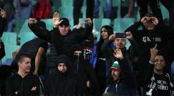 Eine Schande für den Fußball: Bulgarische Fans beim Spiel gegen England.
