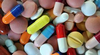 Am kommenden Montag soll in Ohio ein wegweisender Prozess gegen Firmen starten, die beschuldigt werden, mit Schmerzmitteln zur grassierenden Medikamentenabhängigkeit und Drogen-Epidemie in den USA beigetragen zu haben.