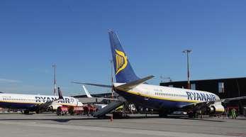 Maschinen der Ryanair auf dem Flughafen Hamburg.