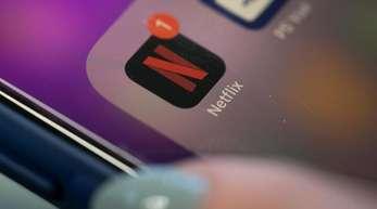 Der Streaming-Riese Netflix hat im dritten Quartal dank Hitserien wie «Stranger Things» wieder kräftig neue Kunden hinzugewonnen.