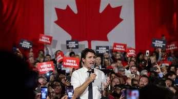 Kanadas Premierminister Justin Trudeau muss bei den Parlamentswahlen um seine Mehrheit bangen.