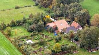 Im rätselhaften Fall einer isolierten Familie auf einem Hof in den Niederlanden konzentrieren sich die Ermittlungen den 67-jährigen Vater.