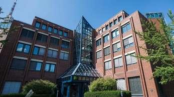 Der Hauptsitz des Rückversicherers Hannover Rück. Laut Einschätzung des größten deutschen Kfz-Rückversicherers profitieren vor allem Neukunden vom Preiskampf der deutschen Kfz-Versicherungen.