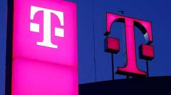 Die Telekom sieht sich auch in Deutschland auf Kurs, wo sie viel Geld in den Ausbau des Mobilfunks und des Festnetzes steckt.