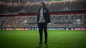 Bundestrainer Joachim Löw bereitet sein Team in Düsseldorf die EM-Qualifikationsspiele vor.