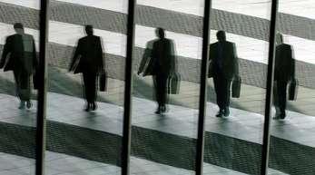 Managergehälter sollen künftig gedeckelt werden - auf eine Summe, die der Aufsichtsrat eines Unternehmens festlegen kann.