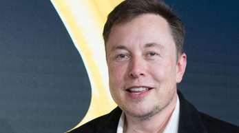 Tesla-Chef Elon Musk wird von seinen Anhängern mit Unternehmerlegenden mit Steve Jobs, Henry Ford und Thomas Edison verglichen.