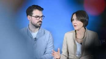 Daniel Flohr, stellvertretender Vorsitzender der Gewerkschaft Ufo, und Bettina Volkens, Vorstandsmitglied Ressort Personal und Recht bei Lufthansa.