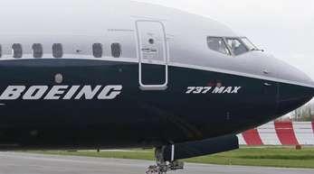 Nach zwei Abstürzen mit insgesamt 346 Toten gilt für den Boeing 737 Max seit März ein weltweites Flugverbot.