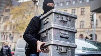 In Düsseldorf gingen das Landeskriminalamt Nordrhein-Westfalen und die Staatsanwaltschaft Düsseldorf gegen eine «international agierende kriminelle Vereinigung» vor.