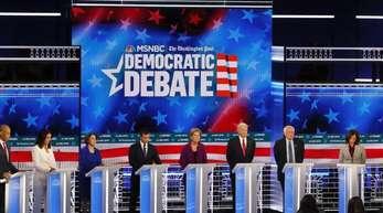 Demokratische Präsidentschaftsbewerber, Cory Booker (l-r), Tulsi Gabbard, Amy Klobuchar, South Bend, Pete Buttigieg, Elizabeth Warren, ehemaliger US-Vizepräsident Joe Biden, Senator Bernie Sanders, Senator Kamala Harris, ehemaliger Technologie-Exekutivd