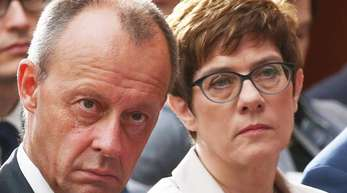 Friedrich Merz, Vizepräsident des Wirtschaftsrates der CDU, und Annegret Kramp-Karrenbauer, Vorsitzende der CDU.