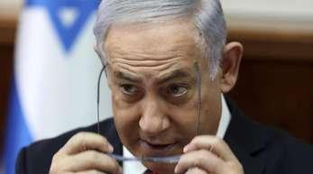 Benjamin Netanjahu gilt nach Angaben des Israelischen Demokratie-Institutes noch nicht als angeklagt.
