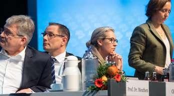 Die AfD-Bundessprecher Jörg Meuthen und Tino Chrupalla sowie Alice Weidel und Beatrix von Storch (v.l.) beim Parteitag.
